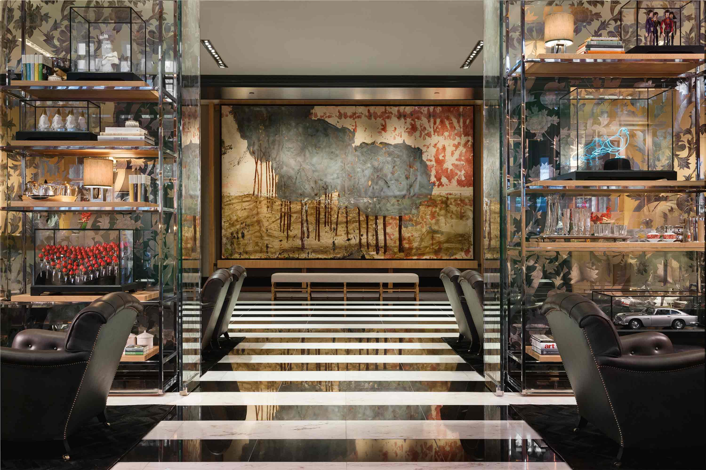 Rose Bronze Gallery Rosewood Hotel